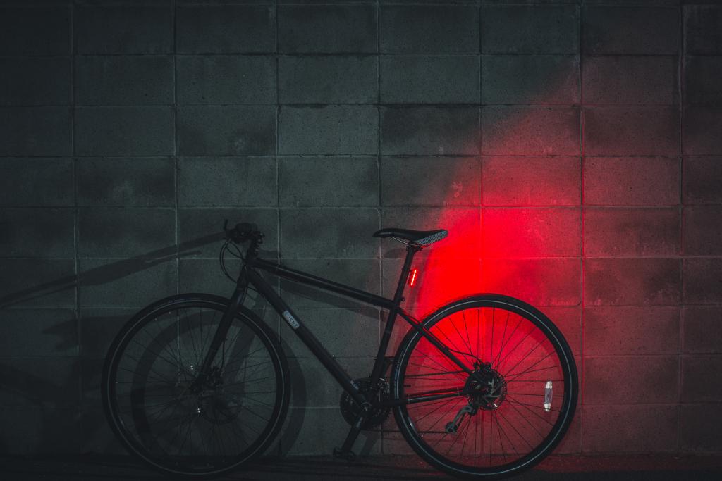 Lucnt SRL1 - Une lampe de vélo intelligente et connectée