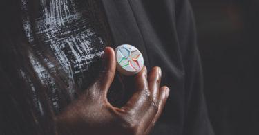 Lotus - Un boutonconnecté qui veille à votre sécurité