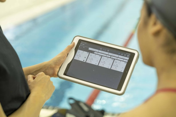 Triton 2 - TritonWear dévoile son nouveau wearable pour la natation 2