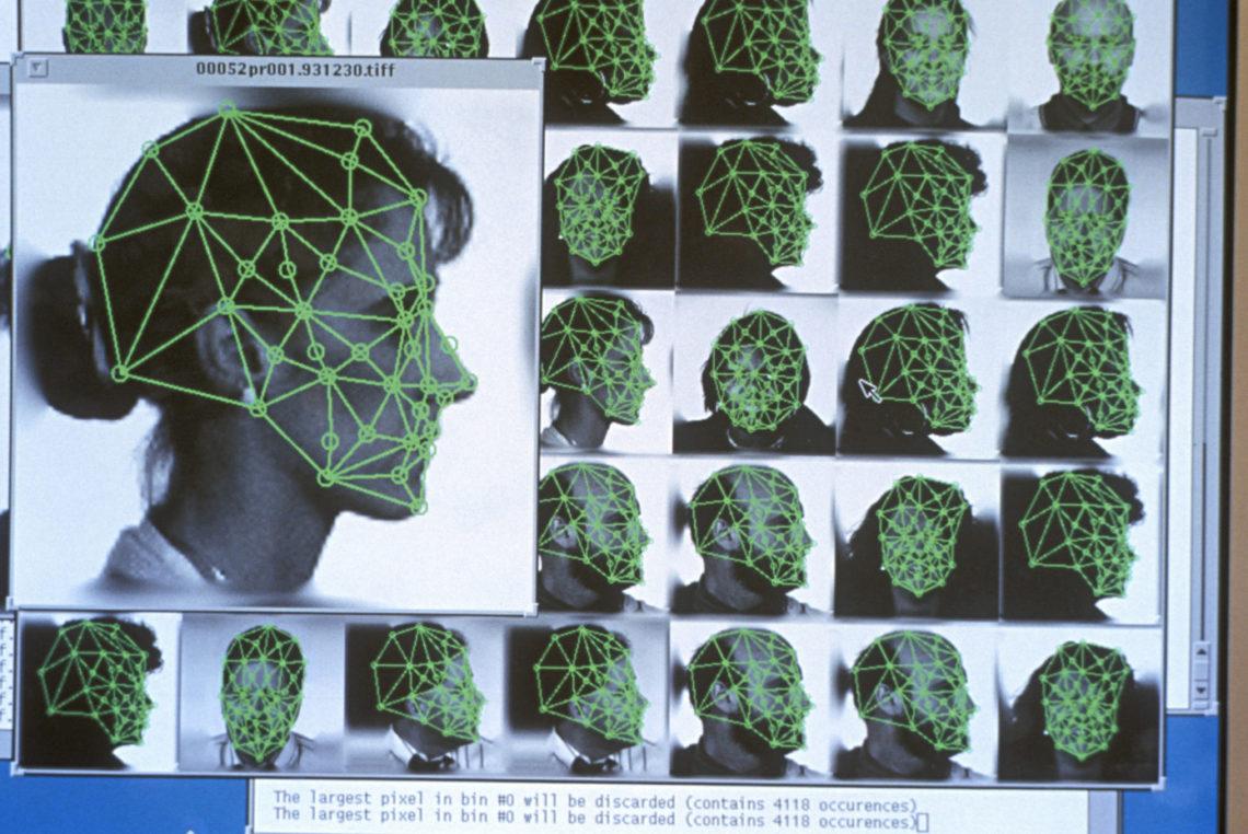 Axon – Le fabricant de caméras pour la police refuse l'IA
