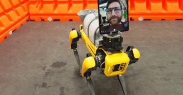 Le robot Spot de Boston Dynamics aide les médecins à traiter les patients atteints de COVID-19
