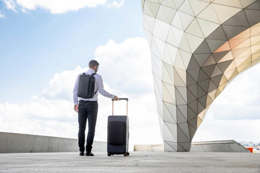 Kabuto lance une version plus grande de sa valise intelligente