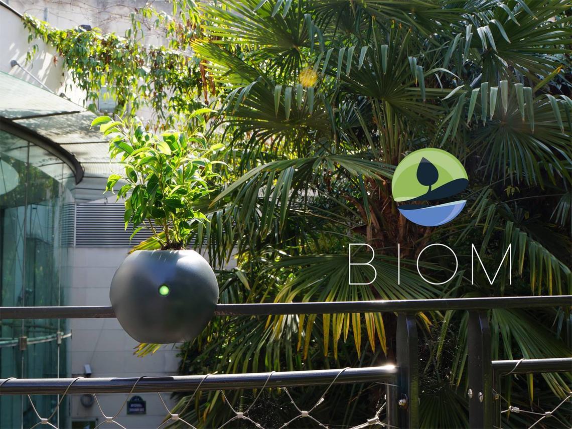 Biom pot de fleurs connecté cyborg