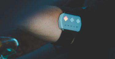 Steer - Le wearable qui vous empêche de vous endormir en conduisant
