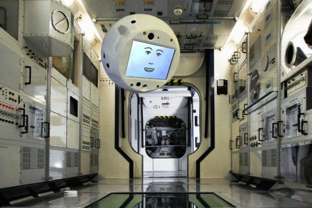 CIMON – Un système d'assistance mobile et autonome