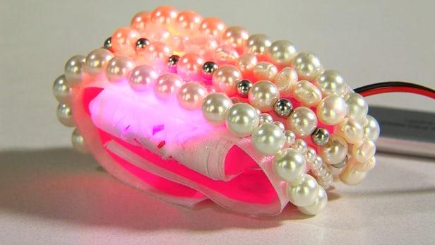 Jayun Patel imagine un bracelet connecté anti-vol