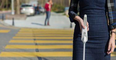 WeWALK canne connectée pour les personnes aveugles et malvoyantes