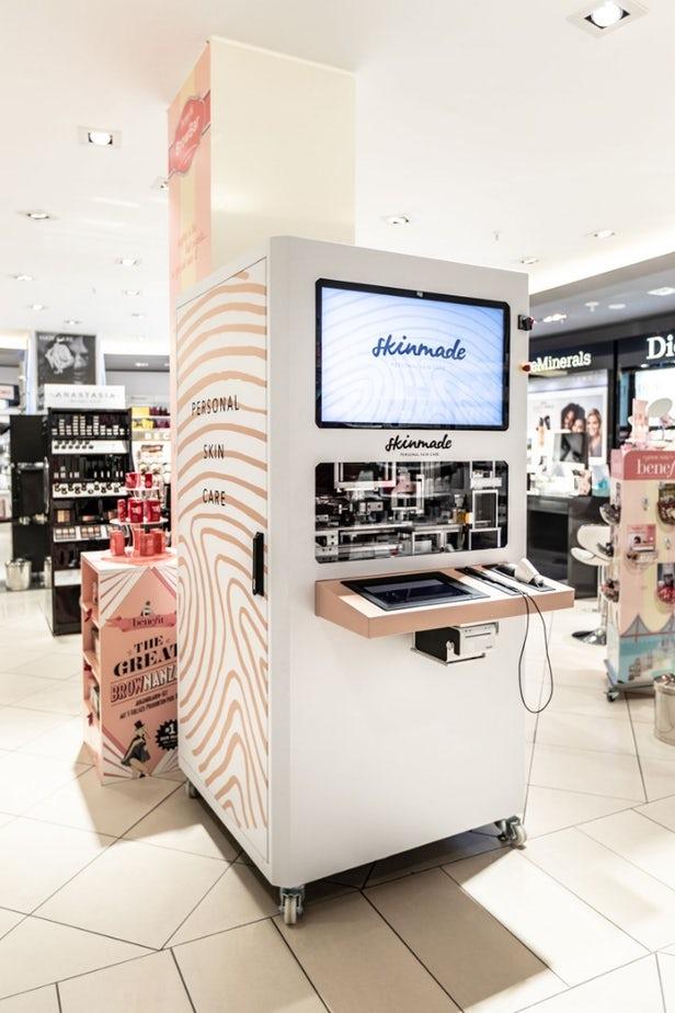 Skinmade dévoile des kiosques permettant de créer ses crèmes pour le visage