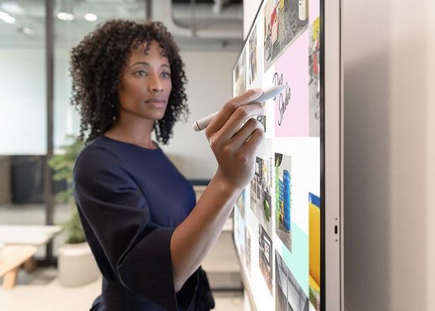 Surface Hub 2S - Le tableau blanc numérique de Microsoft 1