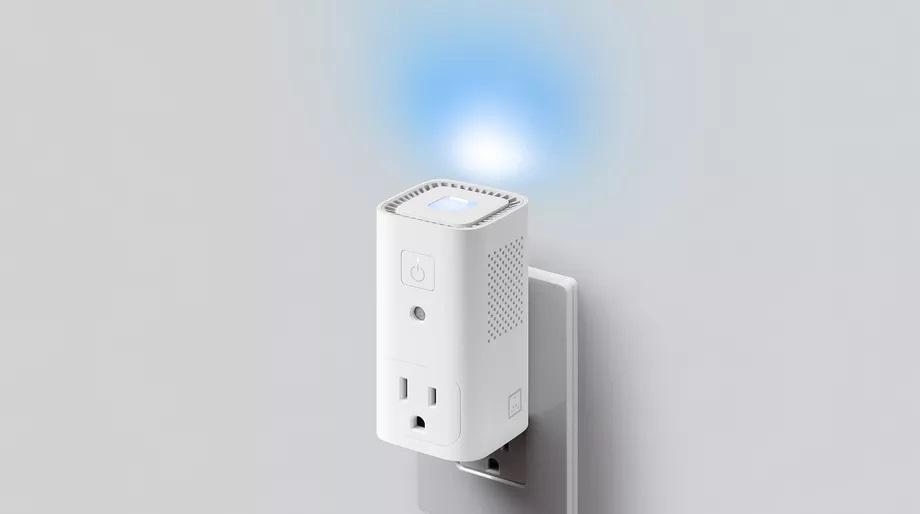 Awair Glow C combine à la fois une prise intelligente, un capteur d'air et une veilleuse 1