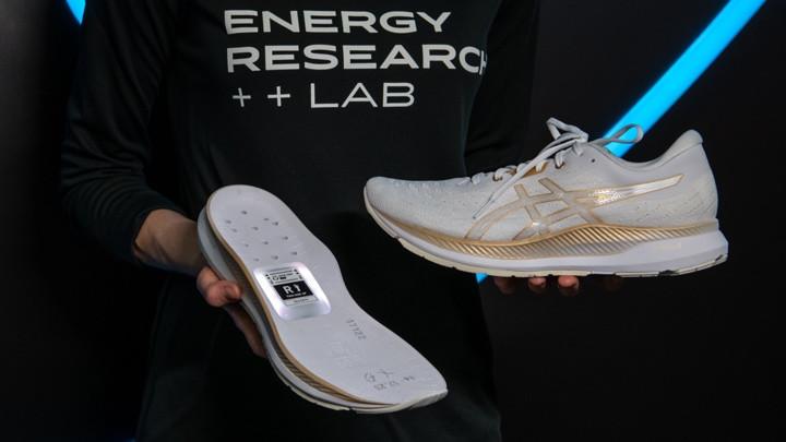 Asics lance un prototype de chaussure de course intelligente 1
