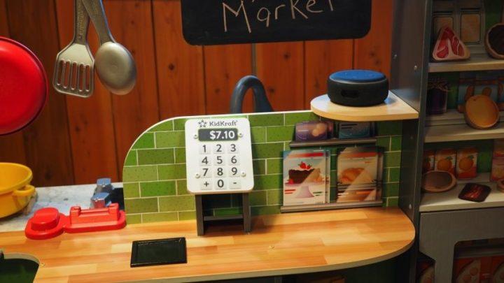 KidKraft dévoile une cuisinière fonctionnant avec Alexa et qui raconte des blagues 2