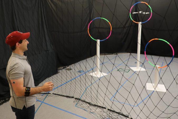 Les signaux musculaires pourraient vous permettre de contrôler un drone