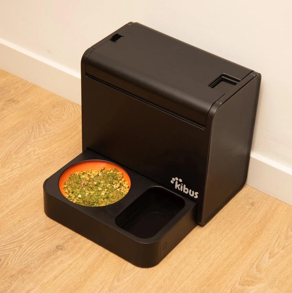 Le Kibus sert automatiquement des repas chauds pour les chiens 1