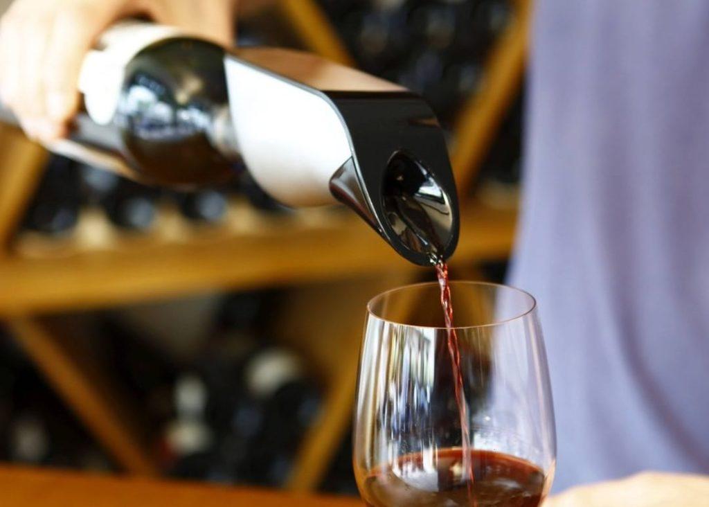 aérateur de vin intelligent d'Aveine va plaire aux amateurs de vin