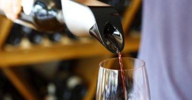 L'aérateur de vin intelligent d'Aveine va plaire aux amateurs de vin