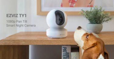 La caméra EZVIZ TY1 Wi-Fi panoramique et inclinable