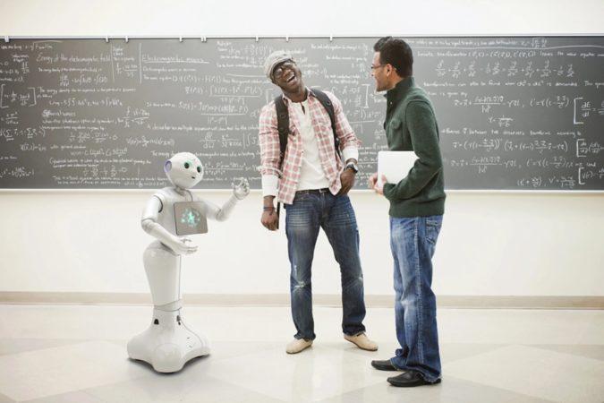 Pepper robot personnel utilise sa voix intérieure pour résoudre ses problèmes seuls