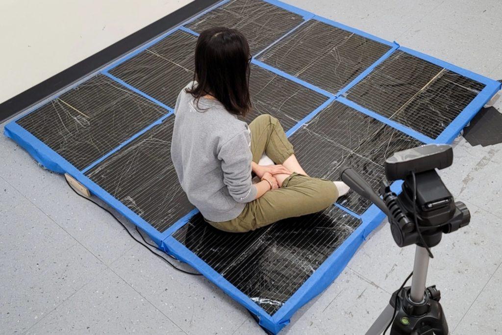 Un tapis intelligent suit vos mouvements pour mieux faire de l'exercice ou jouer