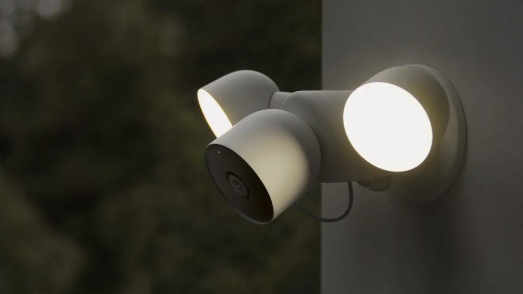 Google Nest Cam avec projecteur